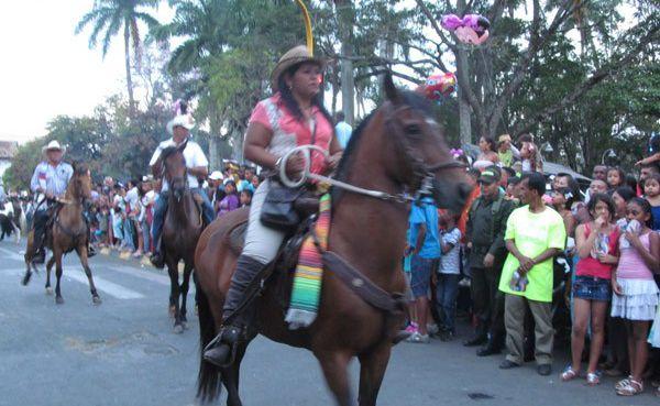 amazona cabalgata-403434f207