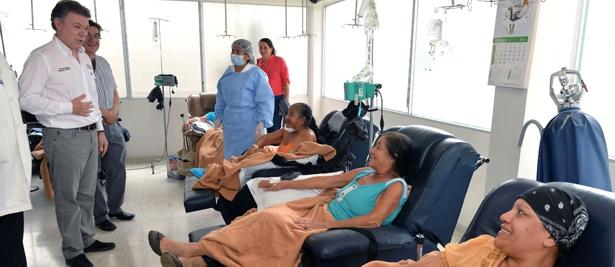 Santos visitó el Hospital Universitario San José - Popayán