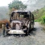 Subversivos del ELN incineraron bus de servicio público en sur del Cauca