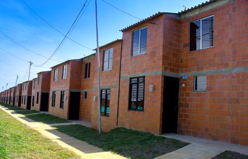 Familias de Santander de Quilichao estrenan casa propia1