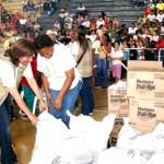 Entrega de ayudas humanitarias a familias víctimas del conflicto armado en Caloto