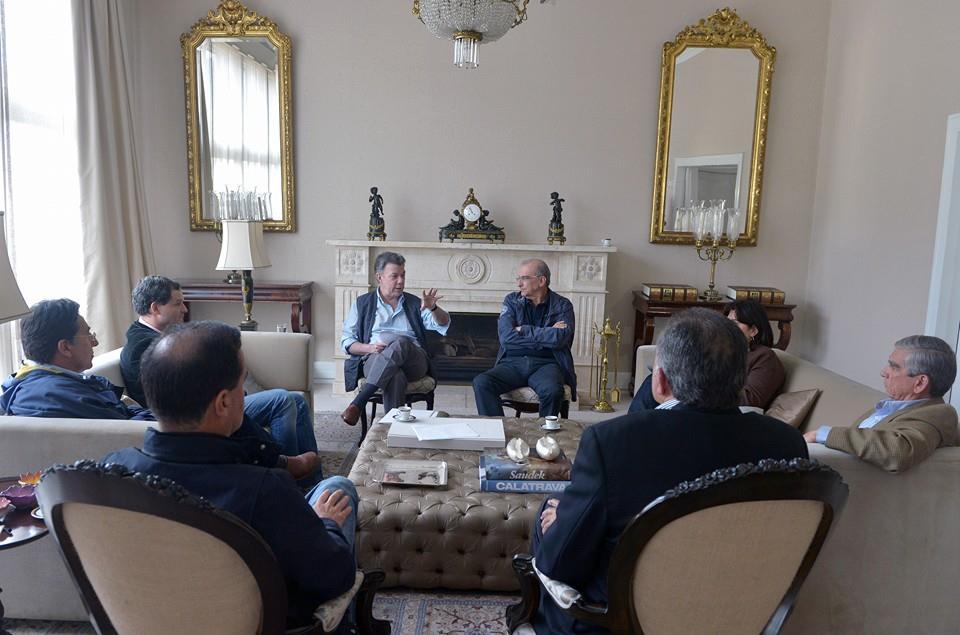 Presidente Santos negociadores paz