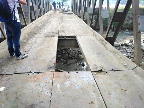 Enfrentamientos entre indígenas y Esmad en Corinto - daño en el Puente de los soldados