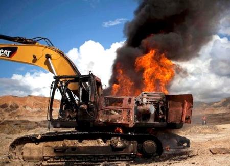 Destruyen maquinaria para minería ilegal
