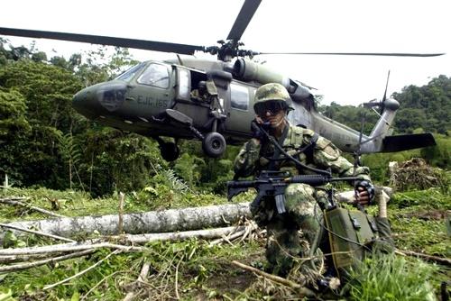 Helicóptero - Combates - Ejército - ELN