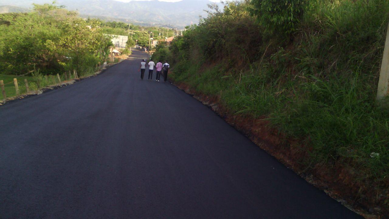 Pavimentan vía a San Antonio en Santander de Quilichao