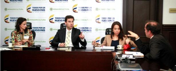 España brinda cooperación en desarrollo rural de Colombia - Juan Pablo Díaz Granados