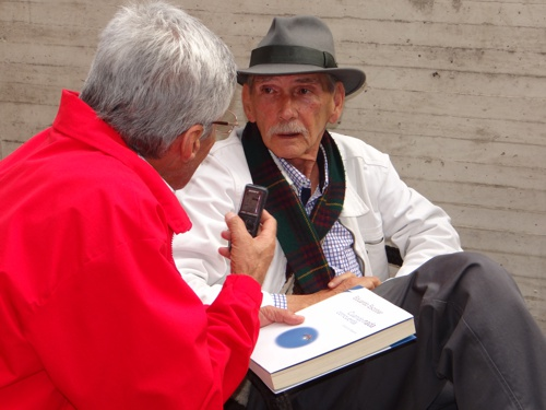 Escritor nadaista Eduardo Escobar 2A