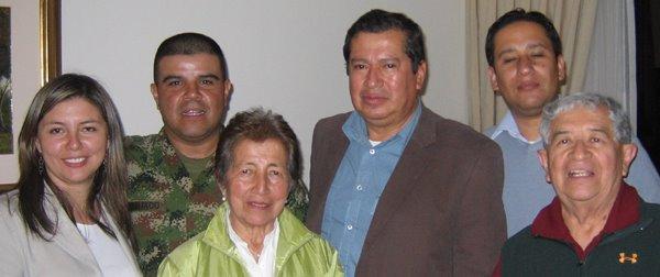 Mario y familia en Bogotá