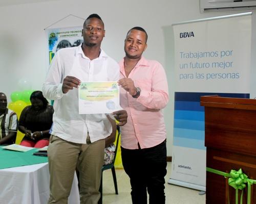 Jóvenes de Chocó cumplen sus sueños a través de la educación - BBVA - Fundación Plan1