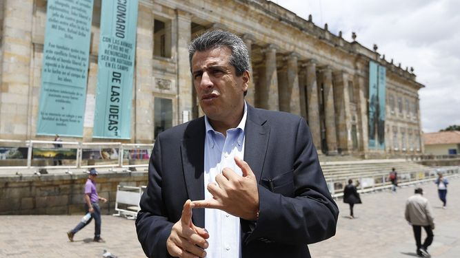 Luis Fernando Velasco 2