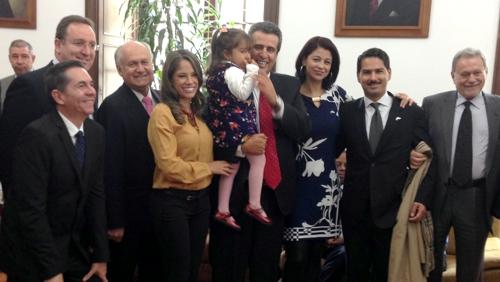 Senador Luis Fernando Velasco recibió el Premio Latin Artis - actores colombianos