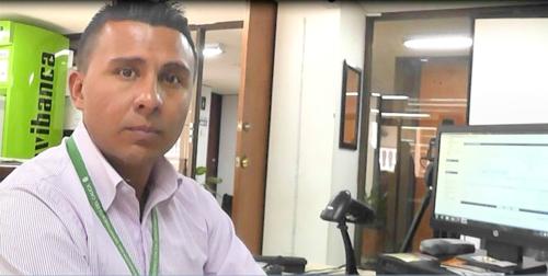 Giovanni Segura, técnico administrativo de la Oficina de Pasaportes de la Gobernación del Cauca