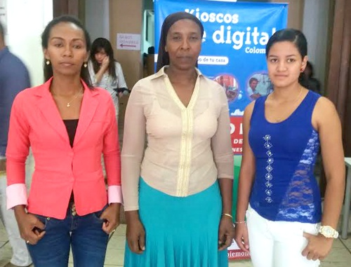 Beneficiarias de los kioskos Vive Digital - Zorani Orozco, Adela Nieves y Darly Lorena Chávez