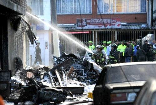 Investigan accidente de avioneta en Bogotá