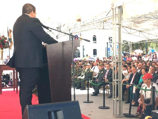 Acto de posesión de Oscar Campo comno gobernador del Cauca