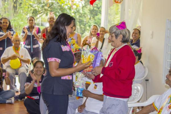 Comfacauca llevó alegría a los adultos mayores de Quilichao1