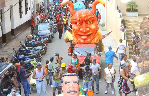 Carnavales de Blancos y Negros en Santander de Quilichao - Fotos Hernán Luna.