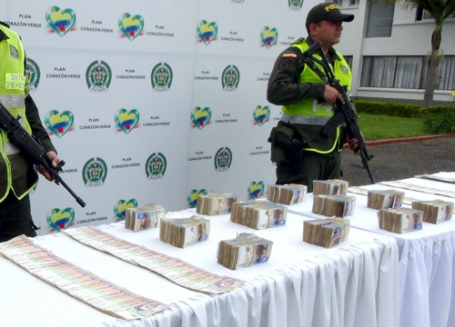 Incautan 330 millones de pesos dentro de un carro accidentado en el Cauca