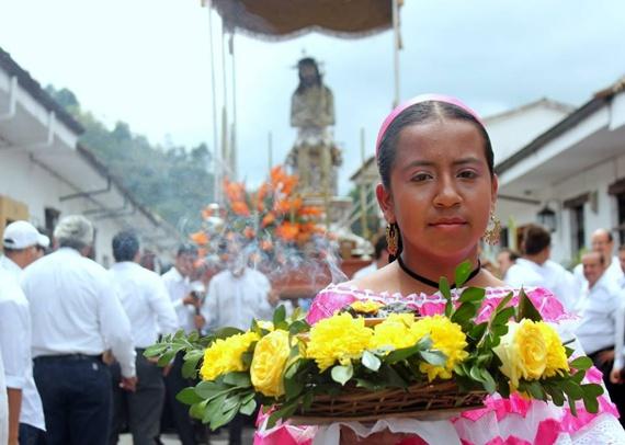Procesión sahumadora - Semana Santa Popayán
