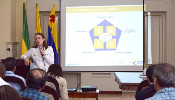 Viceministra de Minas, María Isabel Ulloa, en el Cauca