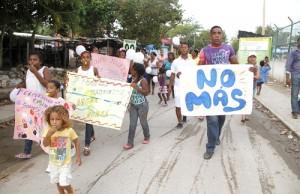 Marcha-en-Puerto-Tejada-por-la-violencia-contra-los-niños1