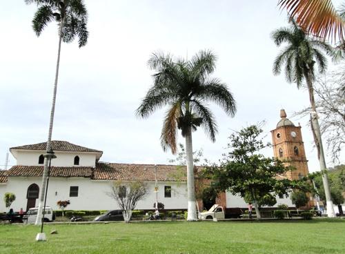 Parque Principal de Caloto, Cauca