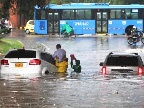 Cambio climático en Colombia - Fuertes lluvias inundan Cali