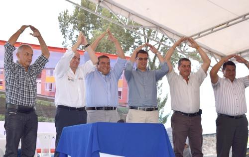 Gobernador del Cauca se comprometió con la construcción de megacolegio para la comuna 2 en Popayán