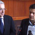 Se reconciliaron Álvaro Uribe y Hollman Morris
