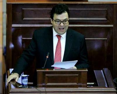 Carlos Negret Mosquera, nuevo Defensor del Pueblo