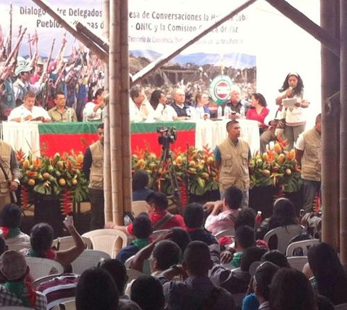 dialogo-entre-delegados-de-la-mesa-de-la-habana-pueblos-indigenas-y-la-comision-etnica-de-paz-en-el-cauca