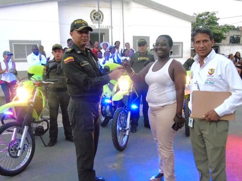 alcaldia-de-villa-rica-entrego-tres-motocicletas-nuevas-a-la-policia