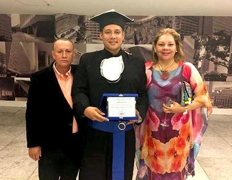 empresario-quilichagueno-andres-felipe-gil-ortiz-obtuvo-maestria-en-rio-de-janeiro-brasil