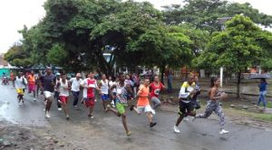 se-realizo-en-villa-rica-maraton-callejera