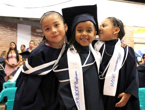 ceremonias-de-graduacion-del-programa-atencion-integral-a-la-ninez-en-popayan1