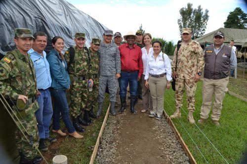 viceministra-de-defensa-visito-el-norte-del-cauca-4