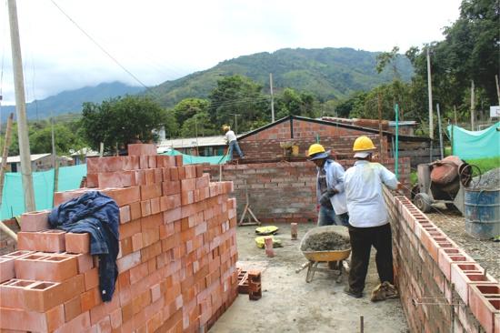 Construcción de dos aulas esoclares en la I.E. Huasanó