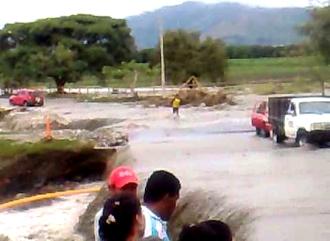 Creciente del río La Paila en Corinto, Cauca.jpg