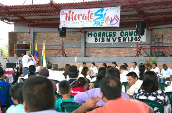 Gobernador del Cauca dio respuestas concretas en Morales sobre turismo, vías y productividad