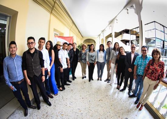 Emprendedores caucanos serán embajadores de paz en París