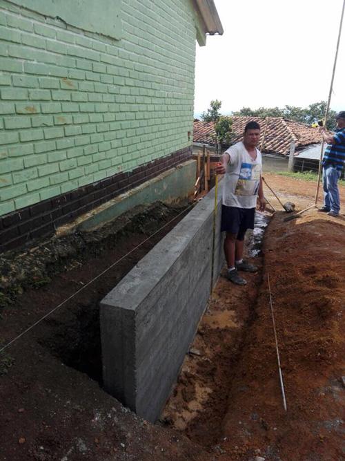Mejoramiento en escuelas y construcción de alcantarillas en Corinto