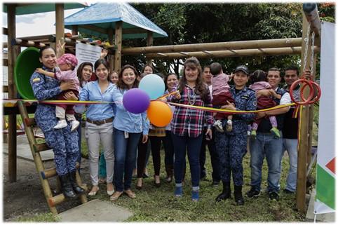 Entregamos parque infantil a los niños de Popayán