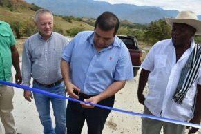 Gobernador del Cauca, Óscar Rodrigo Campo, llegó a la vereda El Puro, municipio del Patía