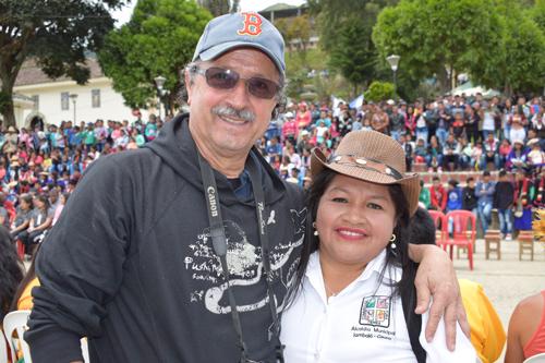 Gustavo Férix Perdomo, director de Americadanza y Flor Ilva Tróchez Ramos, alcaldesa municipal de Jambaló