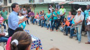 Alcalde atiende necesidades de vivienda en Popayán