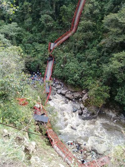 Se cayó otro puente en Inzá. Dos muertos y cuatro heridos. No. 2