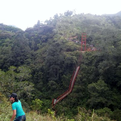Se cayó otro puente en Inzá. Dos muertos y cuatro heridos.