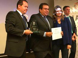 Gobernador del Cauca recibe reconocimiento por su trabajo en favor de la PAZ
