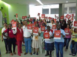 Administración Municipal de Villa Rica entregó títulos de predios fiscales a 64 nuevas familias